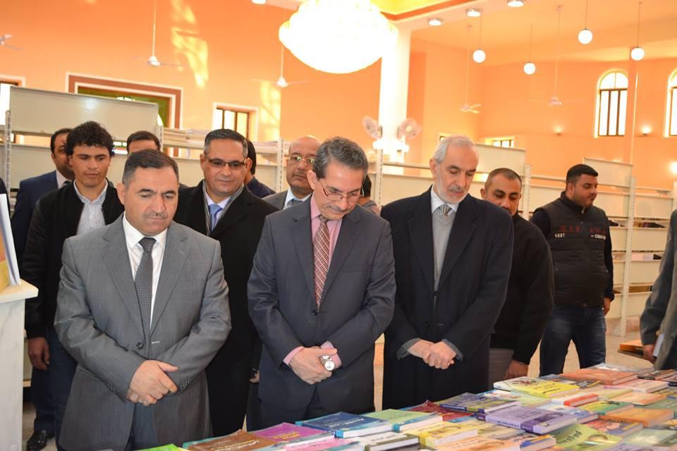 مدير عام دائرة البحوث والدراسات يشارك في افتتاح معرض الكتاب (1)