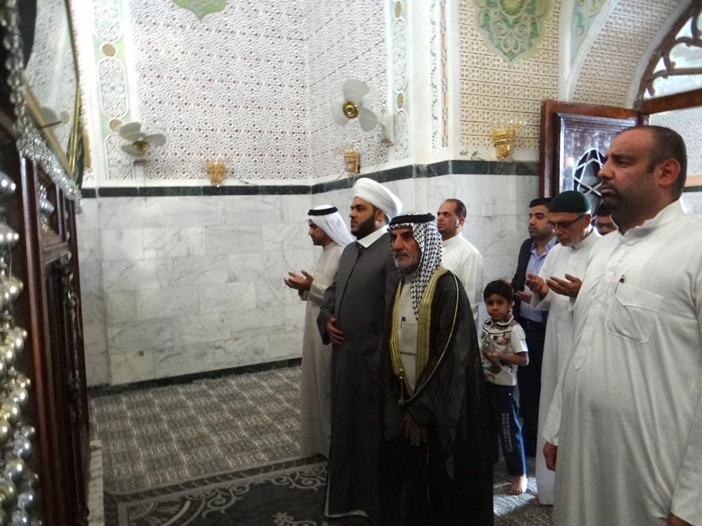 مدير أوقاف المنطقة الجنوبية يزور مرقد السيد احمد الرفاعي (2)