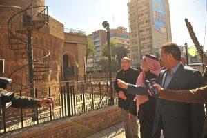 الدكتور الهميم يتفقد مأذنة جامع الخلفاء (1)