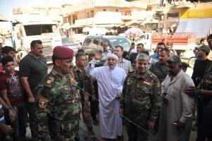 الدكتور الهميم يؤكد لاهالي الموصل وقوفه معهم والعمل على اعادة تاهيل المدينة (2)