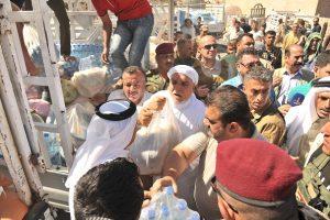 الدكتور الهميم يقود حملة مساعدات كبرى لإغاثة العوائل في مركز مدينة الموصل بمناسبة شهر رمضان المبارك (2)